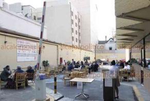 Ciudad de México, 18 de enero de 2021.- Los restaurantes y negocios de comida reanudaron sus servicios con nuevas medidas sanitarias para poder atenderlos en instalaciones, además del servicio para llevar y a domicilio como medida de sobrevivencia económica y laboral.