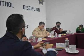 19 de enero de 2021.- Con el propósito de fortalecer los trabajos para inhibir el delito de robo de transporte de carga, este martes el titular de SSP, Hugo Gutiérrez, se reunió con representantes de la Asociación de Abarroteros Mayoristas e integrantes de la CANAJAD.