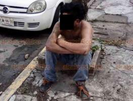 Veracruz, Ver., 20 de enero de 2021.- Policías estatales detuvieron a un sujeto que intentaba robar a un hombre en la Avenida 20 de Noviembre, esquina con Cañones Tampico en el centro de la ciudad. Transeúntes se percataron del hecho y llamaron a los cuerpos de auxilio.