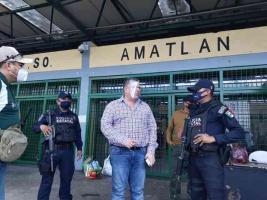 Amatlán, Ver., 21 de enero de 2021.- El titular de SSP, Hugo Gutiérrez Maldonado, en compañía del director René Vergara, recorrió y supervisó el correcto funcionamiento operativo y administrativo del CERESO de Amatlán.
