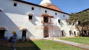 Orizaba, Ver., 22 de enero de 2021.- En el Ex Convento San José se está haciendo trabajo de intervención de muros, grietas, enlucidos, aplanados, colocación de piso.