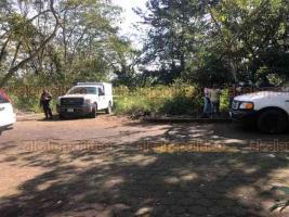 Xalapa, Ver., 23 de enero de 2021.- Colectivos de búsqueda de personas desaparecidas hallaron restos humanos en el fraccionamiento La Herradura, atrás del Museo de Ciencia y Tecnología