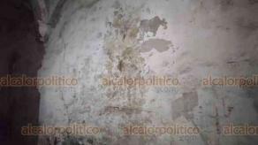 Orizaba, Ver., 25 de enero de 2021.- Durante los trabajos de restauración del exconvento de San José se han encontrado alrededor de 16 obras pictóricas, entre estas las que hacen referencia a las estaciones del viacrucis.