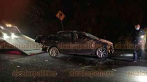 Xalapa, Ver., 27 de febrero de 2021.- Doble choque en la carretera Xalapa-Veracruz, a la altura de la entrada a la Tinaja, cerca de donde está el puente peatonal. Circulación con dirección a Veracruz se encuentra completamente cerrada.