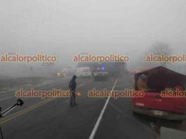Acajete, Ver., 3 de marzo de 2021.- Muere motociclista tras chocar contra un tráiler en la carretera Xalapa-Perote, a la altura de La Posta, cuerpos de emergencia acudieron a la zona; se espera el arribo de personal de la Fiscalía General del Estado.