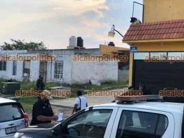 Emiliano Zapata, Ver., 10 de abril de 2021.- La tarde de este sábado se reportó la agresión a balazos contra una persona, en la calle Playares, casi esquina con la calle Alfa Centauri  del Fraccionamiento Zion Solaris.