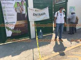 Veracruz, Ver., 16 de abril de 2021.- En el CONALEP II de la colonia Los Pinos, transcurre con tranquilidad la jornada de vacunación de la segunda dosis antiCOVID.