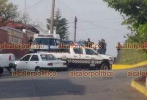 Xalapa, Ver., 17 de abril de 20021.- La mañana de este sábado, un hombre fue encontrado asesinado a balazos dentro de una camioneta, en la avenida Antonio M. Quirazco, colonia El Mirador. En el lugar, agentes iniciaron investigaciones.