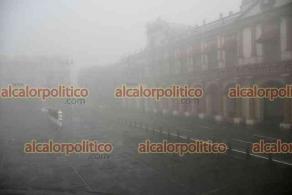 Xalapa, Ver., 18 de abril de 2021.- Luego de que permanecieron temperaturas altas en la capital, este día amaneció cubierta de neblina.