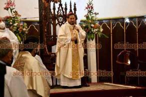 Xalapa, Ver., 18 de abril de 2021.- El arzobispo de Xalapa, Hipólito Reyes, ofició la misa dominical en la catedral.