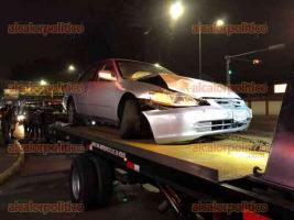 Xalapa, Ver. Seis personas lesionadas, entre ellos dos menores de edad, fue el saldo de un accidente en el que participaron tres vehículos sobre la avenida Lázaro Cárdenas, a la altura del Autozone, un vehículo particular chocó contra un taxi proyectándolo contra otra unidad.