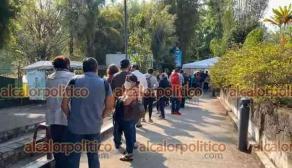 Xalapa, Ver., 23 de abril de 2021.- Cerca de las 9:25 horas, el convoy de las Fuerzas Armadas llegó a la zona universitaria con las dosis para la jornada de vacunación de docentes en las 3 subsedes destinadas para la inmunización.