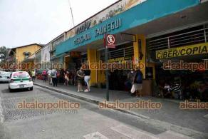 """Xalapa, Ver., 5 de Mayo de 2021.- El Mercado """"Jáuregui"""" celebra este miércoles 62 años de abrir sus puertas a los xalapeños. Temprano se ofició una misa; locatarios organizan comida para esta tarde, a la que asistirán autoridades."""