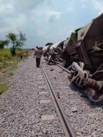 Tres Valles, Ver., 6 de mayo de 2021.- Pasado el mediodía de este jueves se descarriló un tren a la altura de la localidad Los Naranjos, sin que se reportaran heridos.