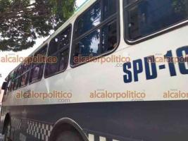 Xalapa, Ver., 8 de mayo de 2021.- Grupos antimotines se dirigieron al Teatro del Estado antes de que iniciara la marcha. la tarde de este sábado, para pedir liberar el uso de mariguana.
