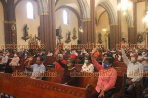 Xalapa, Ver., 9 de mayo de 2021.- El arzobispo Hipólito Reyes Larios destacó que las madres son quienes enseñan a amar a sus hijos desde el vientre.