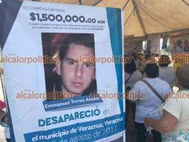 Veracruz, Ver., 10 de mayo de 2021.- En la Macroplaza, este Día de las Madres el Colectivo Solecito recordó a sus hijos e hijas desaparecidos. Organizaron una rifa para tratar de aligerar este día a las mamás activistas.