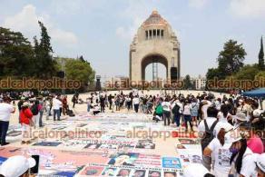 Ciudad de México, 10 de mayo de 2021.- Cientos de madres de desaparecidos marcharon para exigir al presidente Andrés Manuel López Obrador acciones para encontrarlos, investigación e información sobre sus casos.