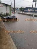 Xalapa, Ver., 14 de mayo de 2021.- Lluvia de este viernes nuevamente provocó inundaciones alrededor de Plaza Museo.