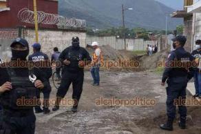 Nogales, Ver., 11 de junio de 2021.- Pobladores señalaron que este viernes la gente afín al alcalde y los policías municipales los estuvieron intimidando y saben que incluso algunos ciudadanos fueron golpeados.