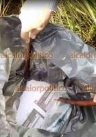 Ayahualulco, Ver., 12 de junio de 2021.- Pobladores hallaron una bolsa de basura llena de boletas electorales en la entrada del municipio, a un costado de la carretera.