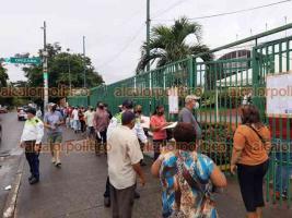Veracruz, Ver., 15 de junio de 2021.- Llegó la segunda dosis de la vacuna contra el COVID-19 para personas de 50 a 59 años. Hasta el 19 de junio se inmunizará a la población en 7 módulos de vacunación.