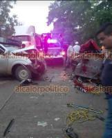 Uxpanapa, Ver., 16 de junio de 2021.- Dos comerciantes murieron la tarde de este miércoles en la carretera estatal poblado La Chinantla, en el tramo Río Blanco - Ejido El Carmen, luego de sufrir un accidente automovilístico.