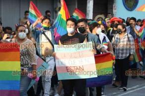 Xalapa, Ver., 19 de junio de 2021.- Este sábado se llevó a cabo la Marcha del Orgullo Gay en la capital del Estado, donde participaron integrantes de la comunidad LGBTTTI.