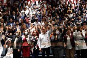 Ciudad de México, 24 de junio de 2021.- El presidente de MORENA, Mario Delgado y la secretaria general Citlalli Hernández presidieron la reunión con legisladores locales electos y el Instituto Nacional de Formación Política para su capacitación.
