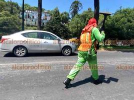 Xalapa, Ver., 24 de julio de 2021.- Debido a trabajos de reparación, la avenida Lázaro Cárdenas presenta carga vehicular y tráfico lento a la altura de Plaza Ánimas en el carril a Banderilla. Tome sus previsiones.