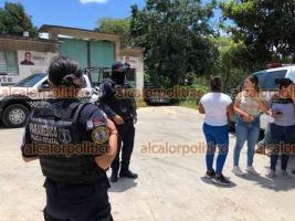 Banderilla, Ver., 28 de julio de 2021.- En el Barrio Ocotita se registró la movilización de personal policiaco luego del hallazgo del cadáver de un varón, el cual tenía aproximadamente 15 días de estar desaparecido.