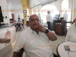 Boca del Río, Ver., 24 de septiembre de 2021.- Tras la reunión de la Mesa de Coordinación para la Construcción de la Paz, el secretario de Gobierno, Eric Cisneros, se trasladó con personal de la Fiscalía General del Estado a un conocido café de la ciudad.