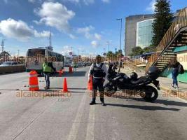 Xalapa, Ver., 24 de septiembre de 2021.- Por trabajos de mantenimiento en la avenida Lázaro Cárdenas, la lateral del puente Bicentenario en dirección a Veracruz Puerto se encuentra cerrada a la circulación. Tome sus previsiones.