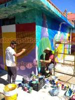 Xalapa, Ver., 24 de septiembre de 2021.- Lector de Argentina, nos comparte fotografías de su trabajo como muralista alrededor de México y otros países de Latinoamérica. Hernán Rodrigo estará en Xalapa un tiempo, y busca conocer más sobre la cultura xalapeña.