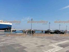 Veracruz, Ver., 28 de septiembre de 2021.- Continúan los trabajos y ensayos para el desfile conmemorativo del 200 aniversario de la Armada de México en la Macroplaza del Malecón, de donde saldrá el contingente de vehículos y personal.