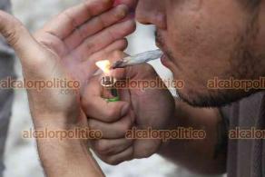"""Xalapa, Ver., 23 de octubre de 2021.-En el marco de la Semana Cultural Cannábica, integrantes de distintas agrupaciones en pro de la cannabis convocaron al """"Fumatón"""" en el Parque Bicentenario."""