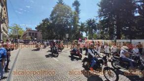 Xalapa, Ver., 24 de octubre de 2021.- Por el Mes Rosa, integrantes de la Confederación Internacional de Mujeres Bikers organizaron la