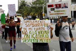 """Ciudad de México, 24 de octubre de 2021.- El movimiento antivacunas llamado """"Mexicanos por la verdad"""" asegura que los fármacos contra COVID son """"veneno"""", mortales y son para experimentar productos impulsados por el Gobierno y empresas."""